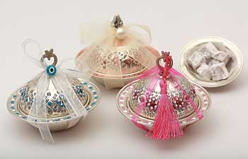 Wedding Gift Boxes Lahore : In Pakistani weddings The Mughal influence is very common and famous ...
