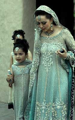 Top 5 Colour Combinations For Pakistani Bridal Dresses