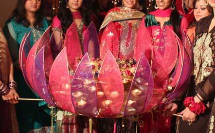 Pakistani mehndi function decorations - photo#9