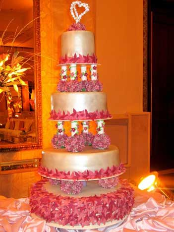 wedding cakes in karachi how to manage wedding accessories wedding 24668