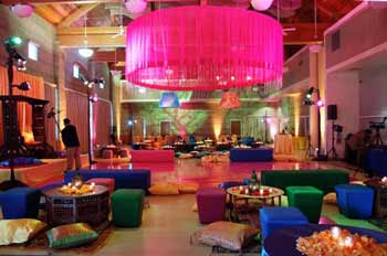 5 top themes for pakistani wedding and mehndi decor wedding pakistani this theme is also one of the luxurious themes for pakistani wedding every one knows that arabic style is more decorative with use of many decorative junglespirit Image collections