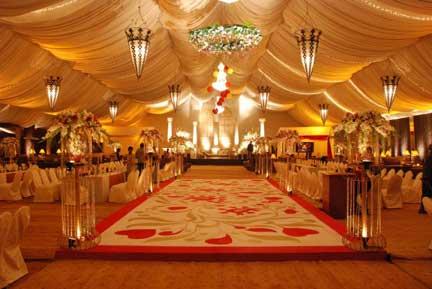pakistani wedding & INDOOR VS OUTDOOR WEDDINGS IN PAKISTAN