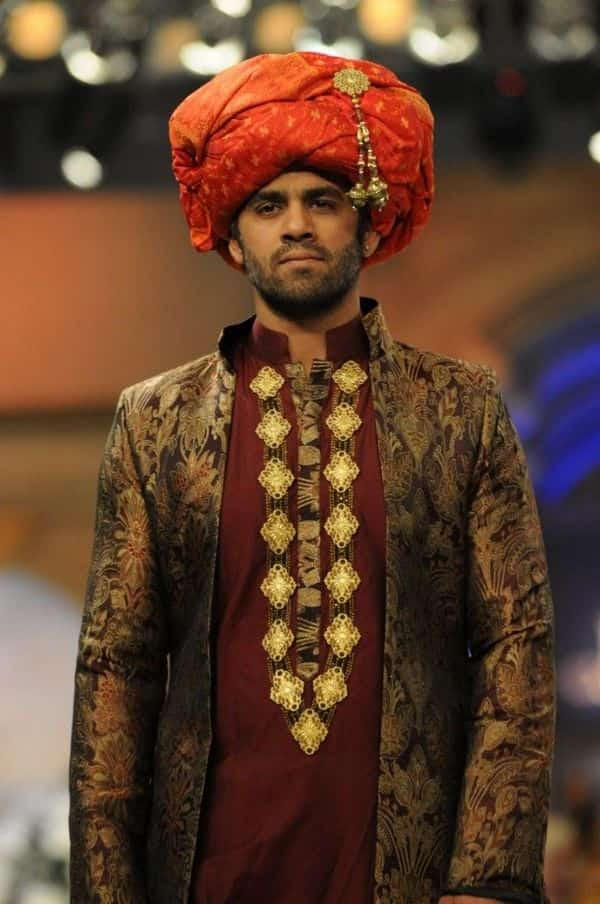 5 Best Outfits To Be Worn By Men In A Pakistani Weddings